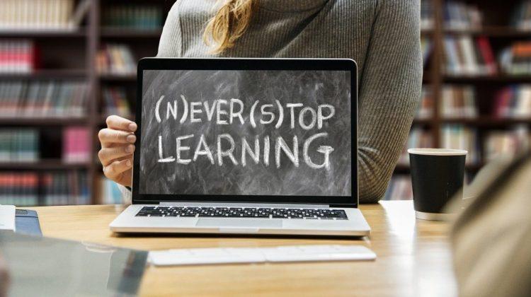 never-stop-learning-earn-3653430_1280.jpg